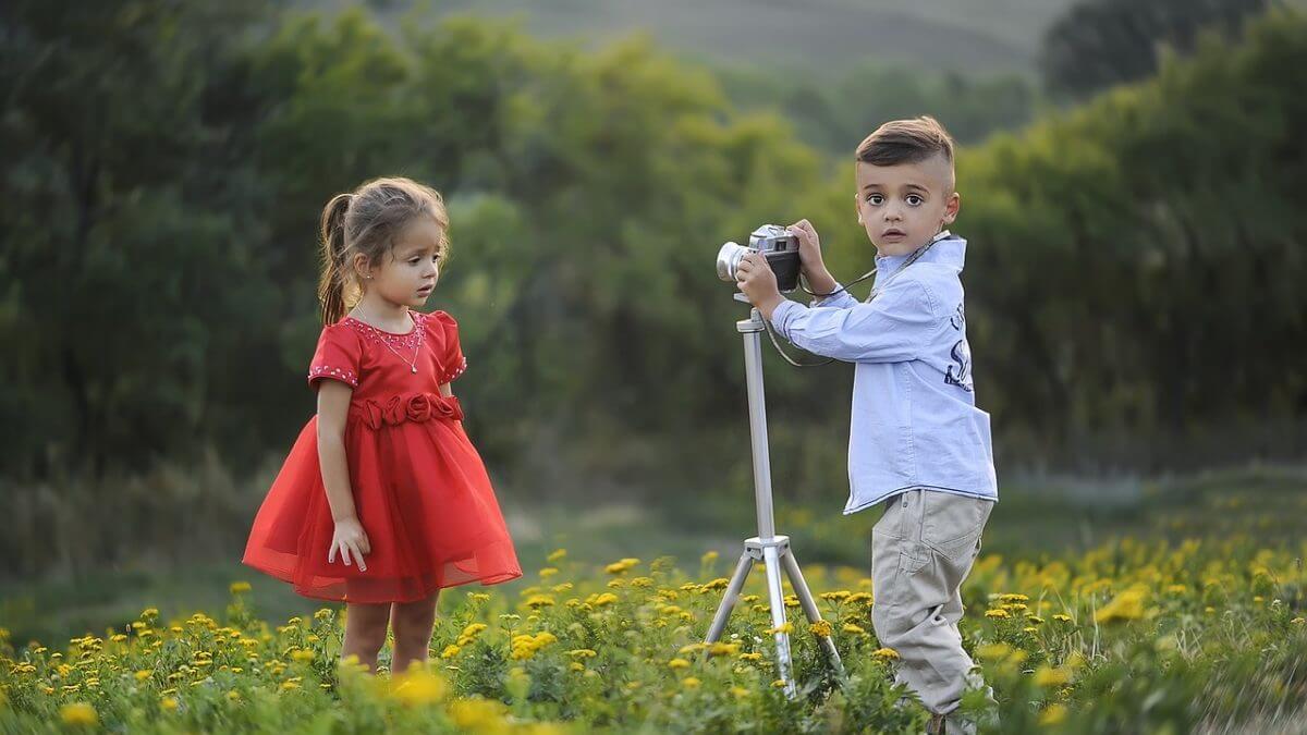 Zwiewne sukienki dla małych księżniczek – idealne na upały