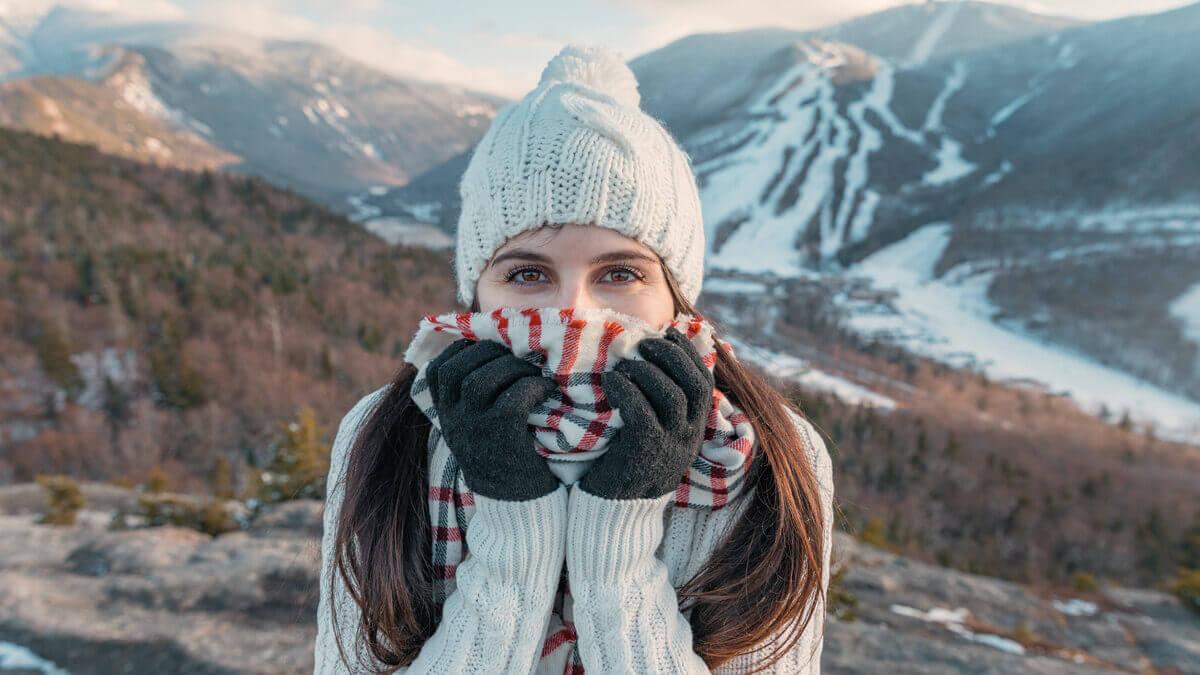 Najmodniejsze szale, czapki i rękawiczki na sezon zimowy 2020/2021!