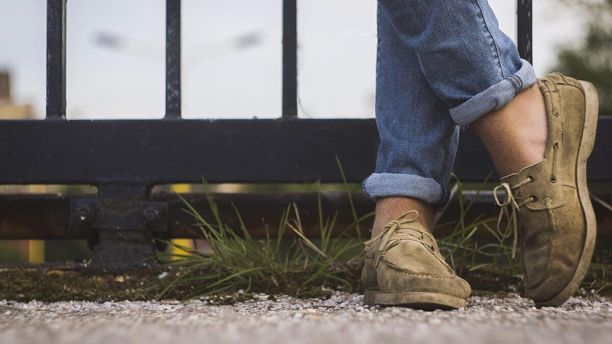 Jakie buty na wiosnę wybrać? Wygodne mokasyny, a może klasyczne półbuty?