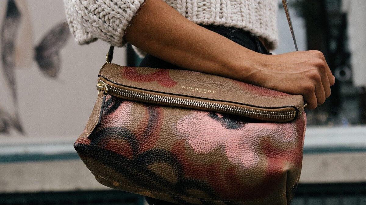 Duże torby – nie tylko praktyczne, ale i ultra modne!